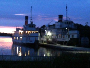 Sewgun mail ship and Winona II docked at GravenhurstWharf